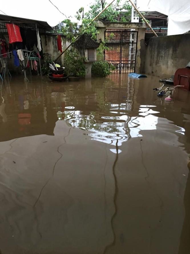 Hà Nội: Phố thành sông, giao thông tê liệt (video) ảnh 5