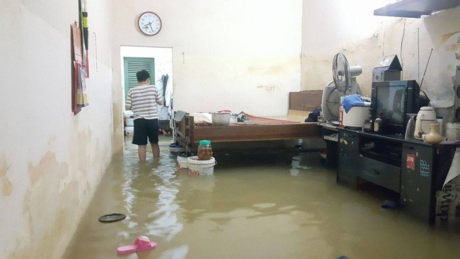 Hà Nội: Phố thành sông, giao thông tê liệt (video) ảnh 3