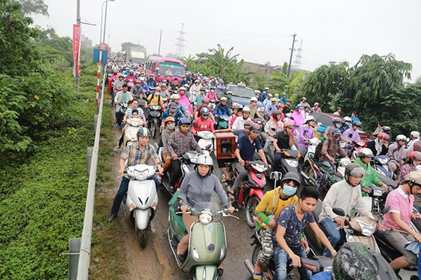 Hà Nội: Phố thành sông, giao thông tê liệt (video) ảnh 17