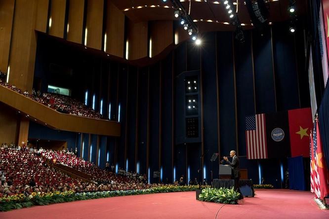 Ảnh Việt Nam đón Obama trang trọng và nồng hậu lên fanpage Nhà Trắng ảnh 12