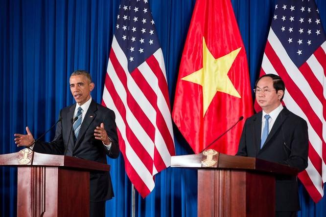 Ảnh Việt Nam đón Obama trang trọng và nồng hậu lên fanpage Nhà Trắng ảnh 6