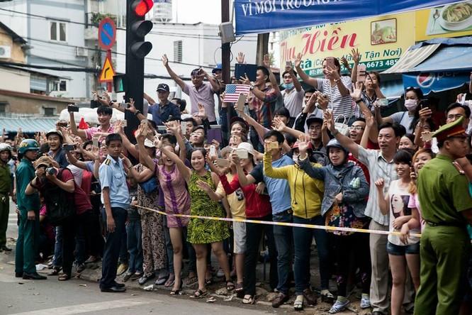 Ảnh Việt Nam đón Obama trang trọng và nồng hậu lên fanpage Nhà Trắng ảnh 8