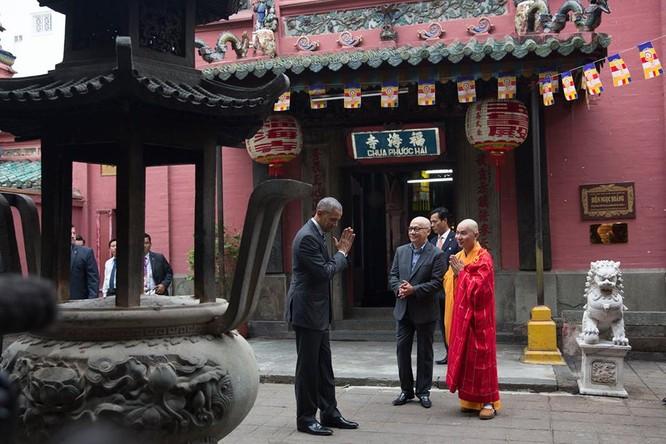Ảnh Việt Nam đón Obama trang trọng và nồng hậu lên fanpage Nhà Trắng ảnh 9