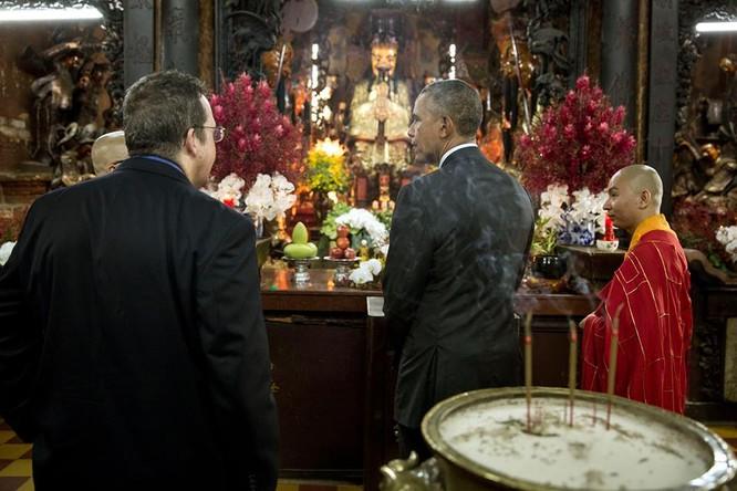 Ảnh Việt Nam đón Obama trang trọng và nồng hậu lên fanpage Nhà Trắng ảnh 10