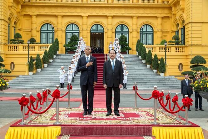 Ảnh Việt Nam đón Obama trang trọng và nồng hậu lên fanpage Nhà Trắng ảnh 1