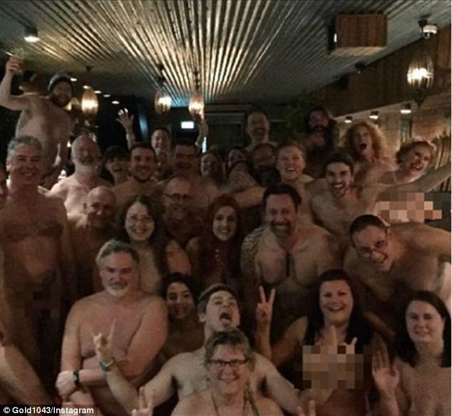Video: Nhà hàng khỏa thân gây sốt ở Úc ảnh 5