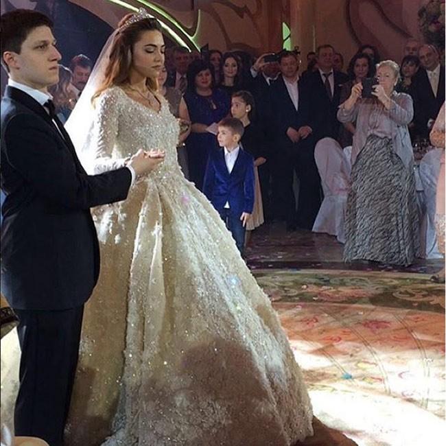 Video: Đám cưới xa hoa nhất hành tinh của con trai tỷ phú Nga ảnh 1