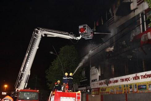 Cháy siêu thị điện máy lớn bậc nhất tỉnh Quảng Trị ảnh 7