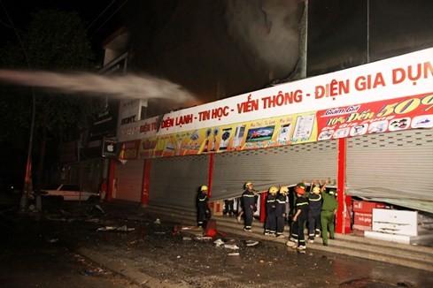 Cháy siêu thị điện máy lớn bậc nhất tỉnh Quảng Trị ảnh 3