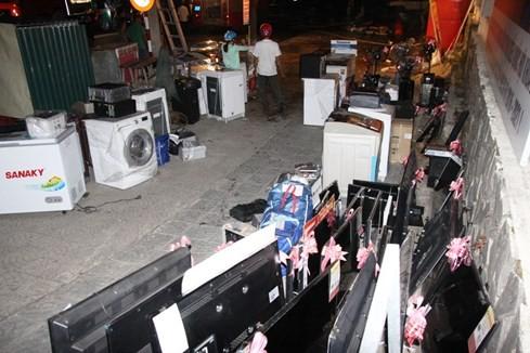 Cháy siêu thị điện máy lớn bậc nhất tỉnh Quảng Trị ảnh 5