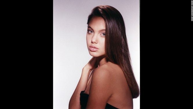 Ngắm Angelina Jolie trong veo tuổi 15 ảnh 10
