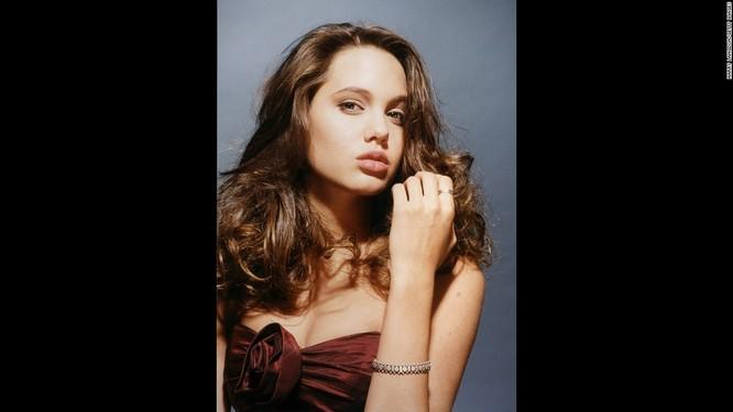 Ngắm Angelina Jolie trong veo tuổi 15 ảnh 9
