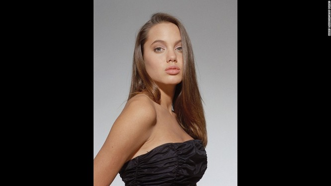 Ngắm Angelina Jolie trong veo tuổi 15 ảnh 7