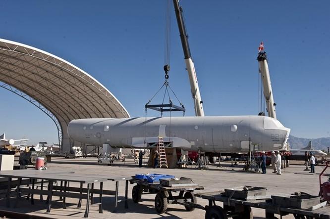 Video: Lockheed Martin phục hồi và tân trang máy bay P-3 Orion ảnh 3