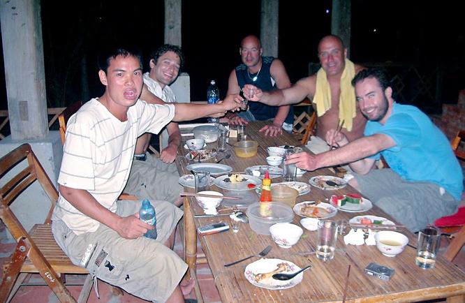 Tây Offroad nhớ đời ở Việt Nam ảnh 23