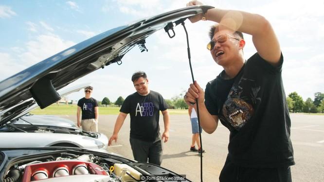 Choáng xem hội con nhà giàu Trung Quốc sang Mỹ chơi siêu xe ảnh 4