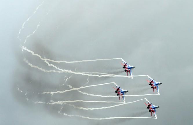 Máy bay tiêm kích đa năng MiG-29 của đội thuật lái nhào lộn