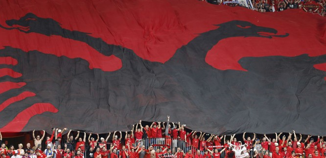 Những hình ảnh chứng minh sự sáng tạo vô đối ở EURO 2016 ảnh 9