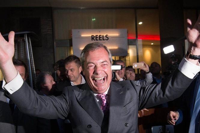 Lãnh đạo đảng UKIP (Anh Độc lập) Boris Johnson đã vận động trong suốt 20 năm để Anh rời EU. Ông coi đây là thắng lợi của người dân bình thường. Ảnh: PA.