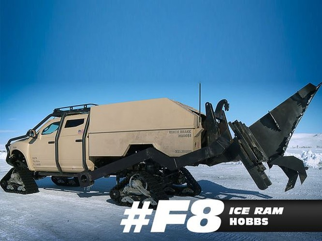 Phát sốt với chùm xế của Fast and Furious 8 ảnh 2