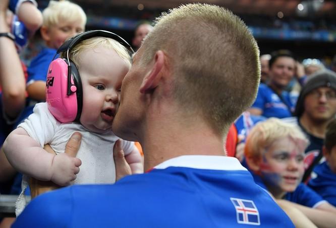 1001 kiểu nụ hôn tại Euro 2016 ảnh 6
