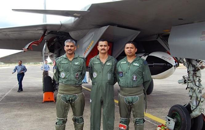 Video: Ấn Độ bắn thử tên lửa BrahMos từ Su-30 vào tháng 9 tới ảnh 1