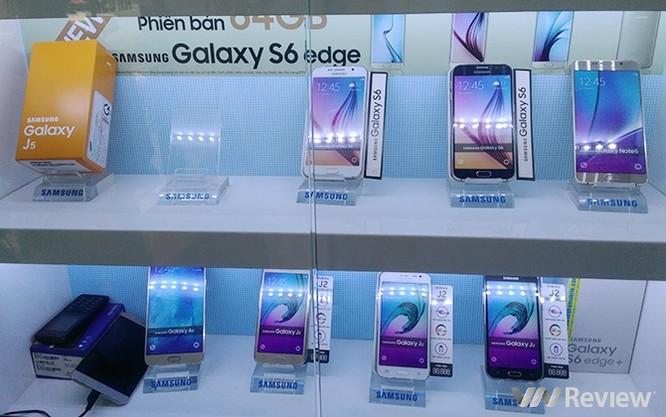 Vì sao smartphone Android cao cấp xách tay luôn rẻ? ảnh 1
