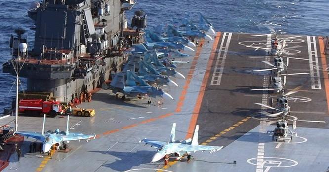 Video: Nga điều tàu sân bay duy nhất tham chiến ở Syria từ tháng 10 tới ảnh 2