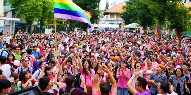 cộng đồng LGBT lên tiếng và bảo vệ quyền của mình tốt hơn