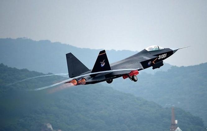 Video: Báo Nga chê J-31 Trung Quốc chưa thể là máy bay tàng hình ảnh 2