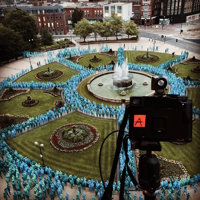 Video: Náo loạn vì 3.000 người khoả thân chụp ảnh ảnh 2