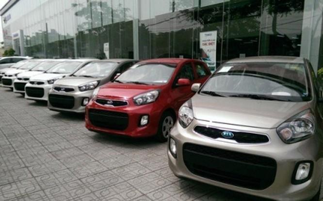 Theo các đại lý, phải giảm giá bán nhiều mẫu xe xuống thấp như vậy là do đang có sự cạnh tranh khốc liệt trong việc giành và giữ thị phần
