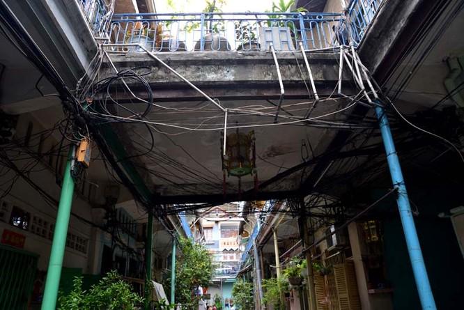 Mục sở thị chung cư trăm tuổi của người Hoa giữa Sài Gòn ảnh 2