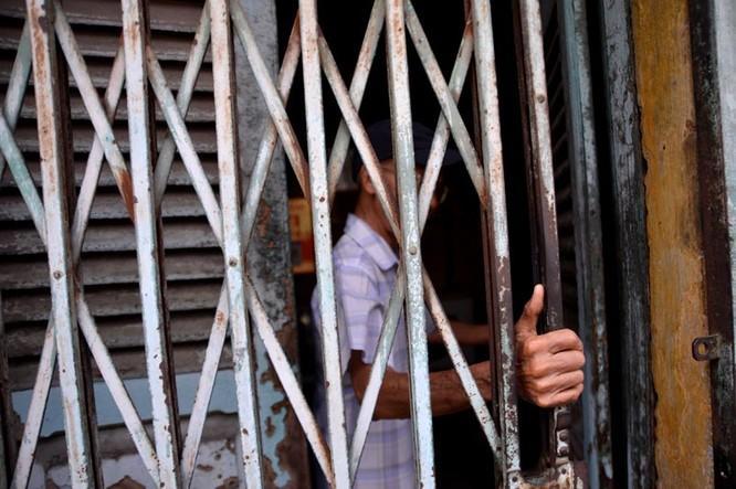 Mục sở thị chung cư trăm tuổi của người Hoa giữa Sài Gòn ảnh 9