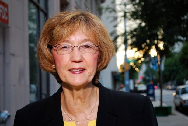Bà Elaine Marshall với 8,8 tỷ USD.