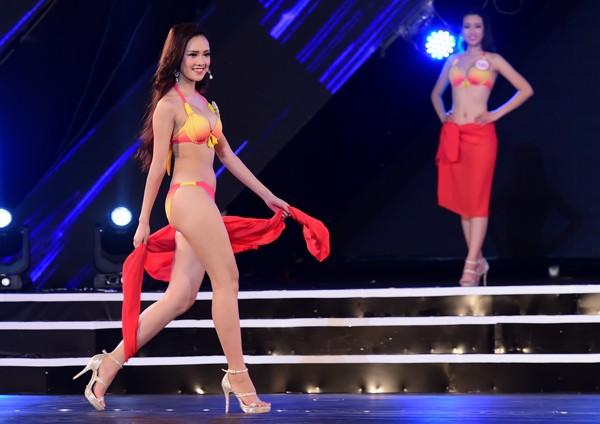 Mãn nhãn màn trình diễn bikini của 18 nhan sắc phía Bắc vào CK HHVN 2016 ảnh 1