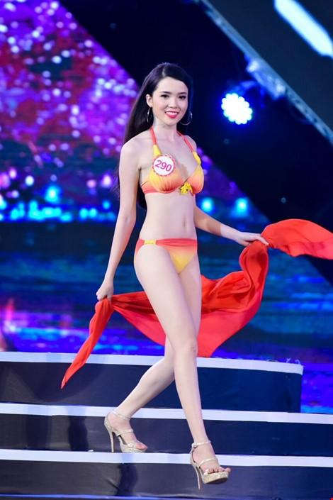 Mãn nhãn màn trình diễn bikini của 18 nhan sắc phía Bắc vào CK HHVN 2016 ảnh 17