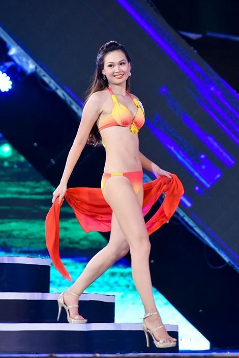 Mãn nhãn màn trình diễn bikini của 18 nhan sắc phía Bắc vào CK HHVN 2016 ảnh 21