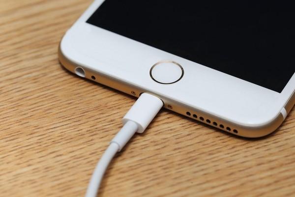90% người dùng smartphone chưa biết những mẹo sạc chuẩn này ảnh 2