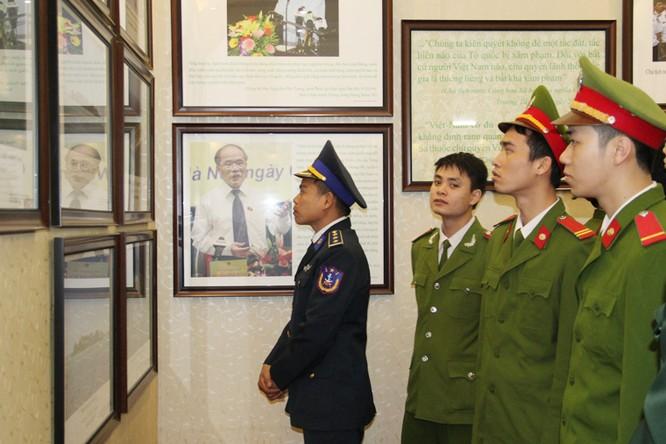 Công bố các tư liệu về chủ quyền Hoàng Sa, Trường Sa của Việt Nam tại Đồng Nai ảnh 1