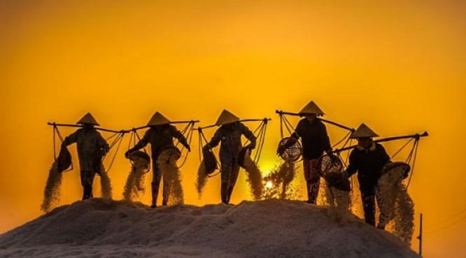 Cánh đồng muối Việt: Nơi ngắm hoàng hôn đẹp nhất thế giới ảnh 8
