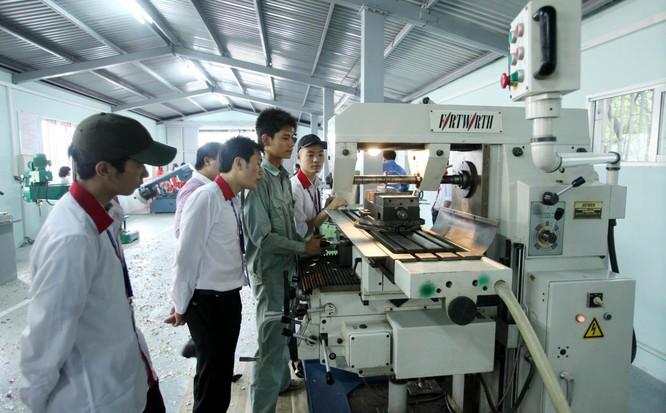 Chiến lược Phát triển khoa học và công nghệ cải thiện đáng kể vị thế của khoa học và công nghệ Việt Nam trong khu vực và thế giới.