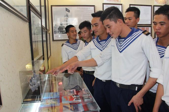 Khai mạc Triển lãm chủ quyền Hoàng Sa, Trường Sa của Việt Nam tại An Giang ảnh 3