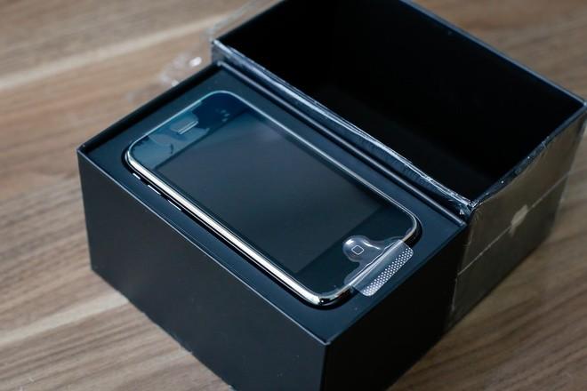 Cận cảnh iPhone 3G hàng hiếm giá 50 triệu đồng ở Việt Nam ảnh 3