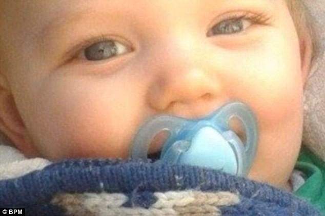 Video: Những phút cuối của bé trai 9 tháng tuổi lấy nước mắt hàng triệu người ảnh 3