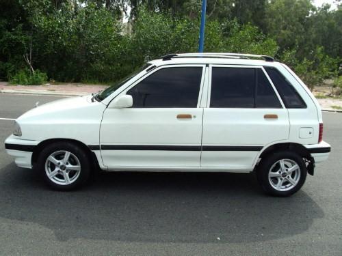 Với thiết kế đơn giản, đường nét vuông vức, vẻ bề ngoài cứng cáp... Kia Pride CD được đánh giá là một chiếc xe ôtô giá rẻ đáng tiền. Ngoài ra, chiếc xe này cũng khá bền và dễ sửa chữa. Nhiều người sử dụng khá