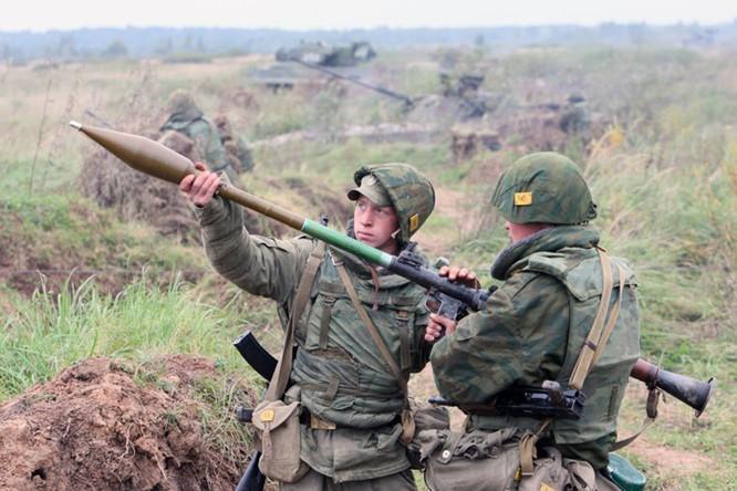 Súng chống tăng RGP-7 do Liên Xô chế tạo và tiếp tục được công ty Bazalt của Nga hiện nay sản xuất. Đáy là loại vũ khí tiêu diệt các phương tiện cơ giới hiệu quả nhất trên chiến trường.