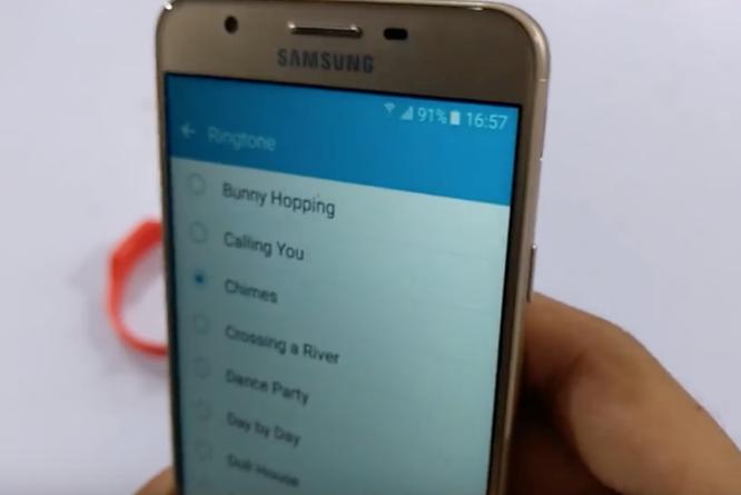 Video: Galaxy J7 Prime vẫn mượt sau màn dìm nước ảnh 7