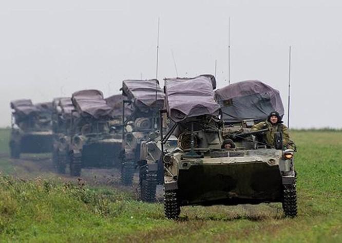 Video: Sư đoàn dù Nga diễn tập đổ bộ đường không ảnh 1