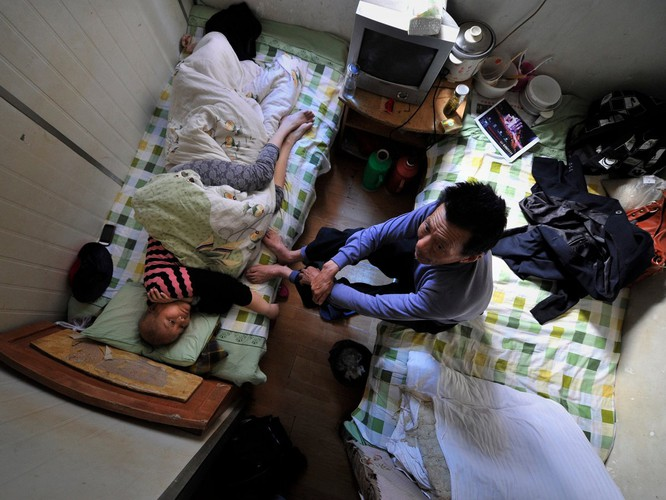 Cuộc sống trong những căn nhà siêu nhỏ khắp nơi trên thế giới ảnh 11